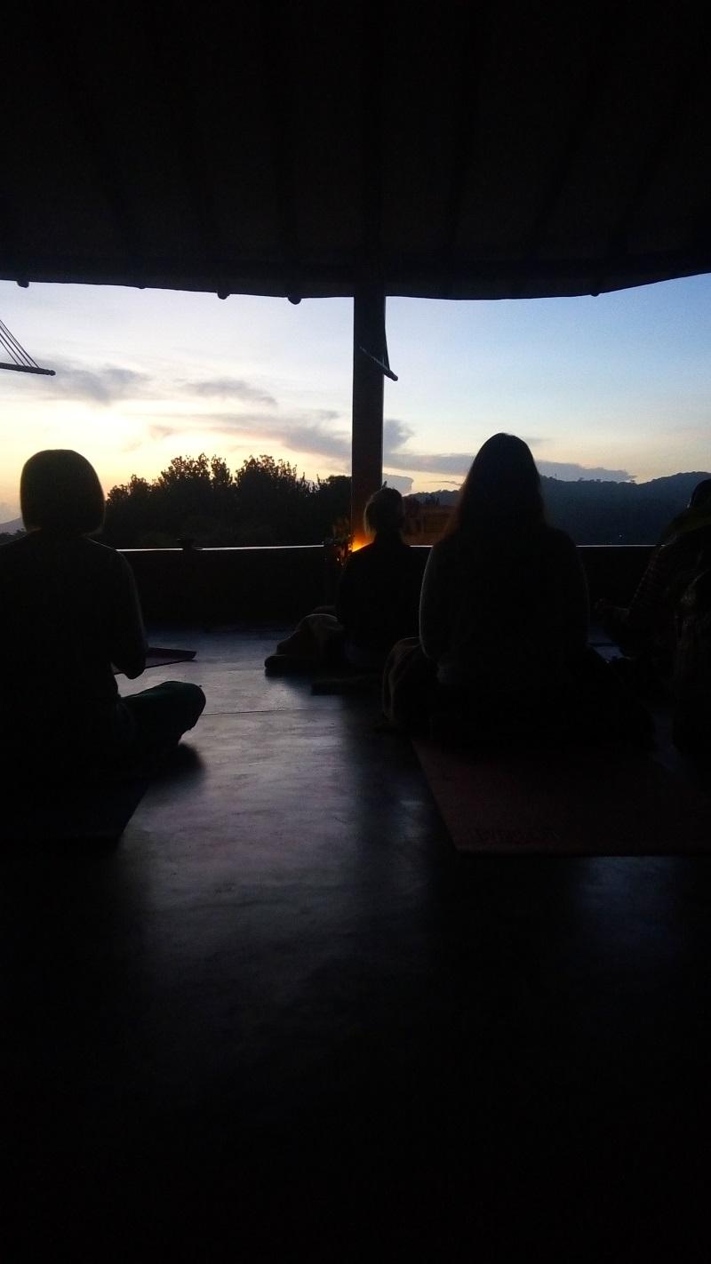 Retiro Chandrika Altos de Santa Fe Meditacion